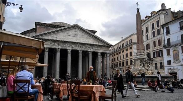 إيطاليون في روما (إ ب أ)