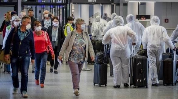 مسافرون في مطار شتوتغارت الألماني (أرشيف)