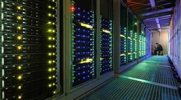 جهاز كومبيوتر عملاق