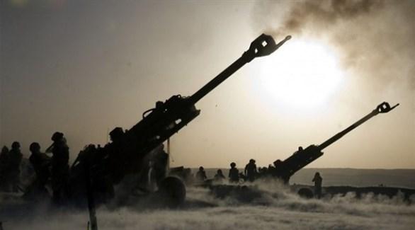 مدفعية الجيش التركي تقصف مواقع في سوريا (أرشيف)