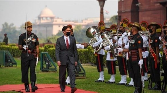 وزير الدفاع الأمريكي مارك إسبر يزور الهند (أ ف ب)