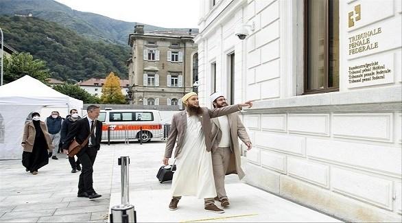 المدانان نيكولا بلانشو  يسار وعبد العزيز قاسم إيلي يمين الصورة (لاتريبيون دو جنيف)
