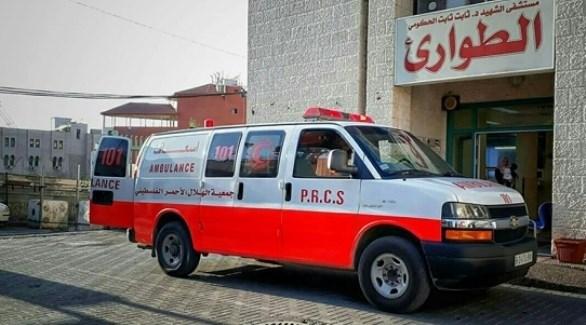سيارة إسعاف أمام مستشفى في الضفة الغربية (أرشيف)
