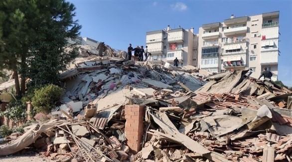 ركام مبان دمرها زلزال إزمير (تويتر)