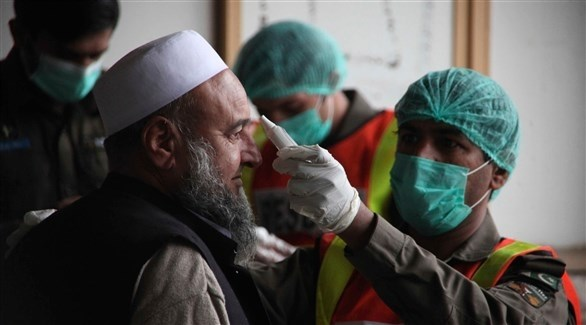 جانب من إجراء فحوصات حرارية في باكستان (أرشيف /  أ ب)