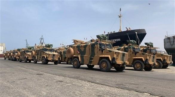 آليات عسكرية تركية في ميناء مصراتة بليبيا (أرشيف)