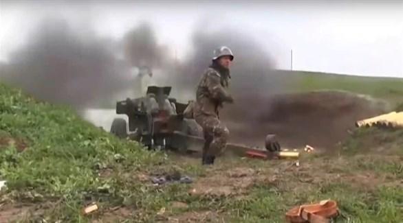 عناصر تقاتل على الجبهات بين أذربيجان وأرمينيا (أرشيف)