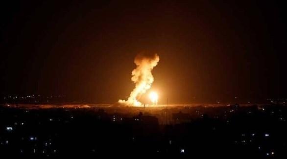 نيران تشتعل في موقع لحماس بعد قصف إسرائيلي سابق (أرشيف)