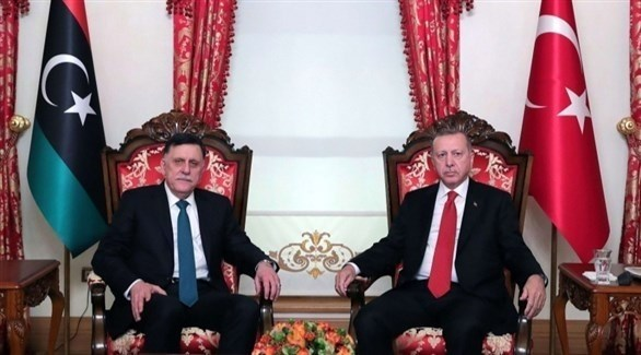 الرئيس التركي رجب طيب أردوغان ورئيس حكومة الوفاق الليبية فائز السراج (أرشيف)