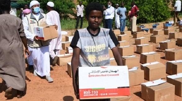 توزيع مساعدات إماراتية في السودان (أرشيف)