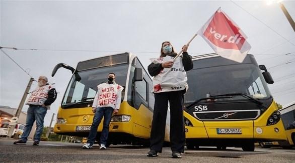 عمال نقل مضربون في ألمانيا (د ب أ)