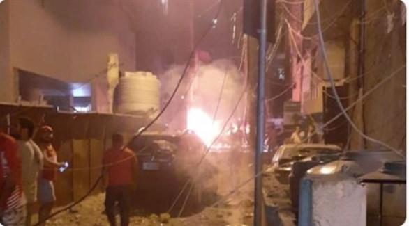 لبنانيون في موقع الانفجار الذي هز بيروت مساء اليوم (تويتر)