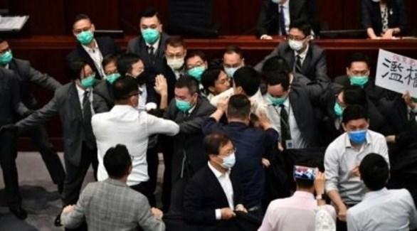 مشاجرة بالأيدي في برلمان هونغ كونغ (أرشيف)