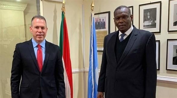 السفير السوداني ونظيره الإسرائيلي (تويتر)