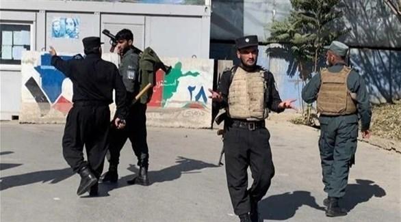 عناصر من الأمن الأفغاني في مدخل جامعة كابول (أرشيف)