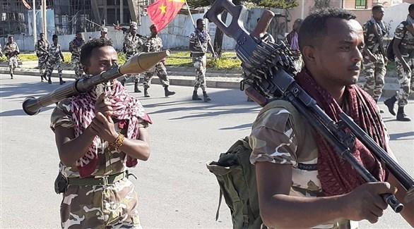 مسلحون من التيغراي في عرض عسكري (أرشيف)