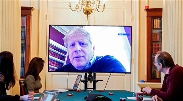جونسون متحدثاً عبر تقنية الفيديو في حجره الصحي السابق (أرشيف)