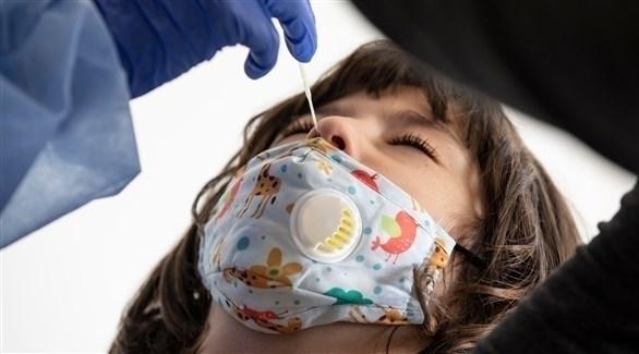 فحوصات طبية لكورونا في الأردن (EPA)