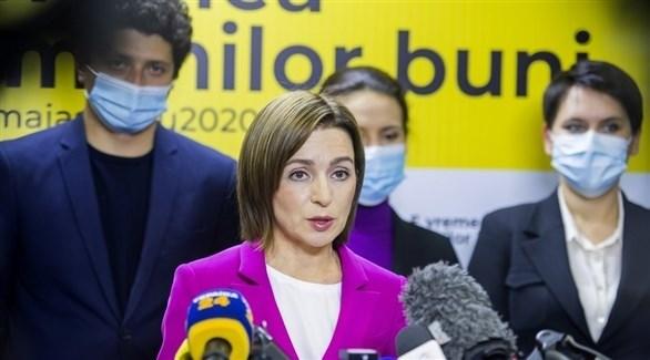 الرئيسة المنتخبة  مايا ساندو  (أرشيف)