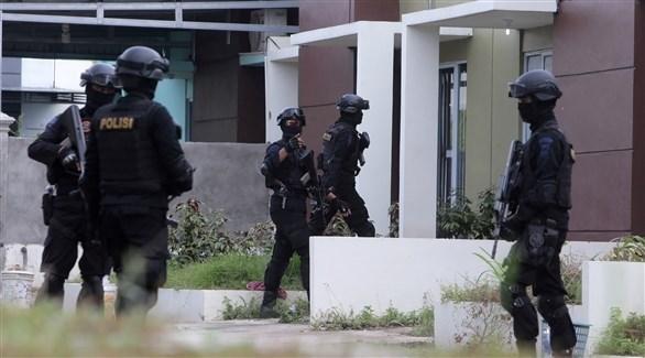 عناصر من الشرطة الإندونيسية في عملية أمنية (أرشيف)