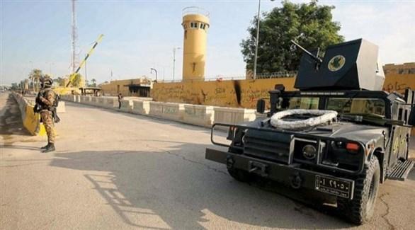 جندي قرب مدرعة عراقية في المنطقة الخضراء ببغداد (أرشيف)