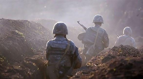 جنود أذر على الجبهة (أرشيف)
