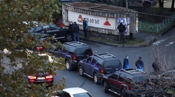 عناصر من الشرطة والقوات الخاصة الجورجية (رويترز)