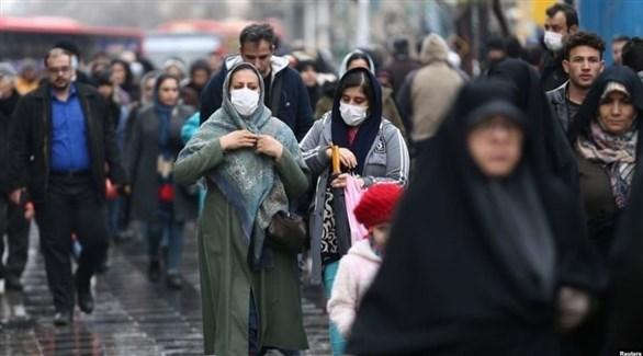 مواطنون في طهران (أرشيف)