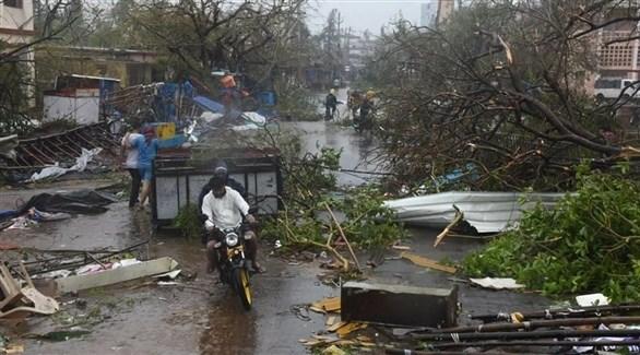 مواطنون يغادرون منازلهم جراء إعصار في الهند (أرشيف)