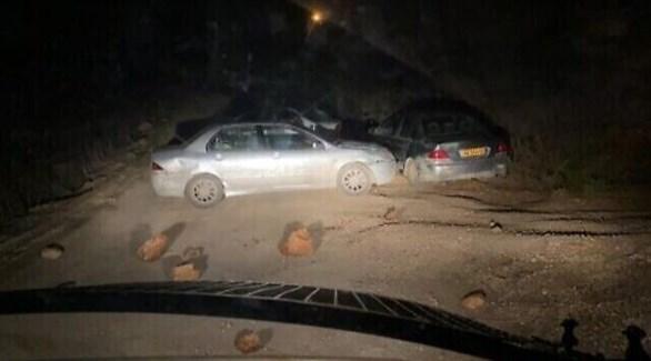سيارة المستوطن عند حاجز الشرطة الإسرائيلية أماو بؤرة كومي الاستيطانية (تايمز أوف إسرائيل)