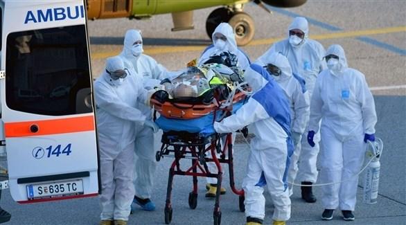 نقل أحد المصابين بفيروس كورونا في فرنسا (أرشيف)