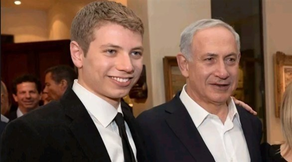 نتانياهو ونجله يائير (أرشيف)