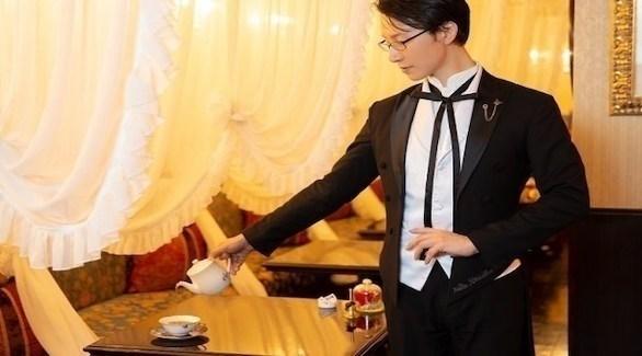 نادل شخصي في أحد مقاهي اليابان (ميترو)
