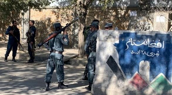 عناصر أمن أفغان في محيط جامعة كابول بعد الهجوم (أرشيف)