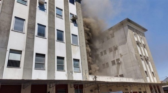 دخان يتصاعد من المستشفى - أرشيف