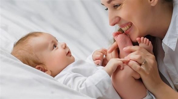 تقديم بعض الأطعمة الصلبة بعد بلوغ الصغير 6 أشهر (تعبيرية)