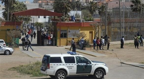 دورية للشرطة الإسبانية في مدينة مليلية (تويتر)