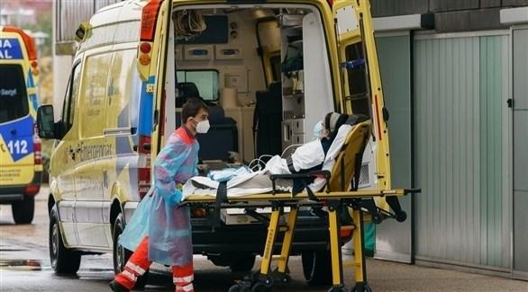 نقل مصاب بفيروس كورونا في إسبانيا (أرشيف)