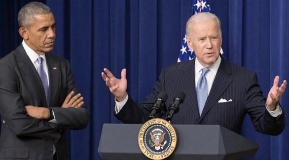 بايدن إلى جانب أوباما - أرشيف