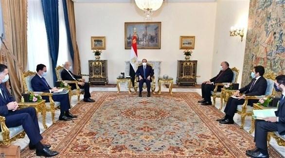 جانب من اللقاء يبن وزير الخارجية الفرنسي والرئيس المصري