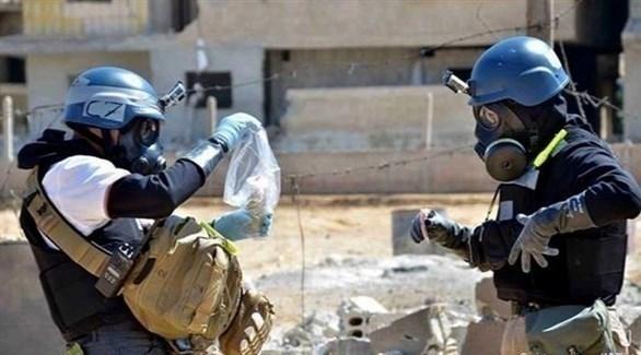 خبراء يبحثون في موقع تعرض لهجوم كيماوي في سوريا (أرشيف)
