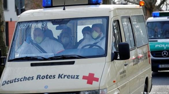 مسعفون ألمان في سيارة إسعاف ببرلين (أرشيف)