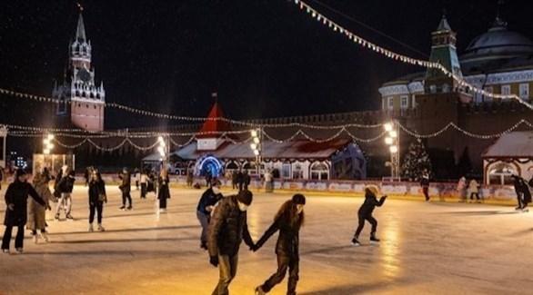 روس يتزلجون في الساحة الحمراء بموسكو (أرشيف)