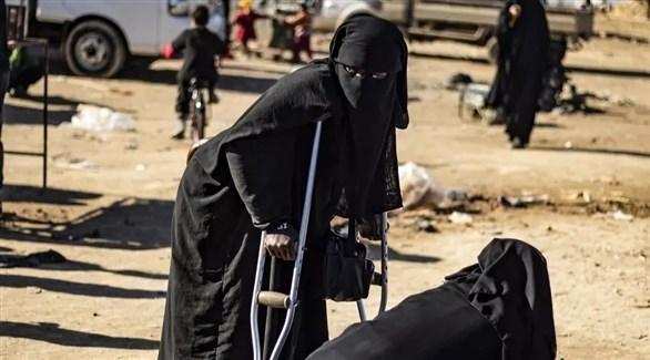 سيدة في مخيم الهول في شمال شرق سوريا (أرشيف)