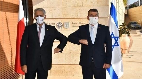 وزيرا الخارجية الإسرائيلي غابي أشكنازي  الصناعة والتجارة والسياحة البحريني زايد بن راشد الزياني (تويتر)
