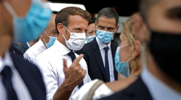 الرئيس الفرنسي إيمانويل ماكرون بين اللبنانيين بعد انفجار بيروت (أرشيف)