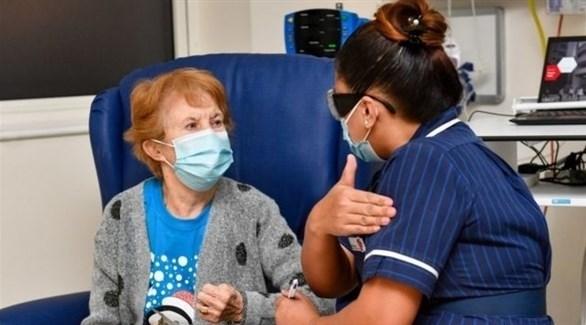 مارغريت كينان أول بريطانية حصلت على اللقاح ضد كورونا (أرشيف)