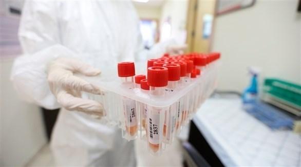 عينات لحالات مشتبه بإصابتها بفيروس كورونا (أرشيف)