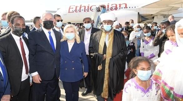 نتانياهو يستقبل 316 شخصا من يهود الفلاشا القادمين من إثيوبيا (تويتر)