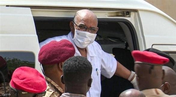 الرئيس السوداني السابق عمر البشير (أرشيف)